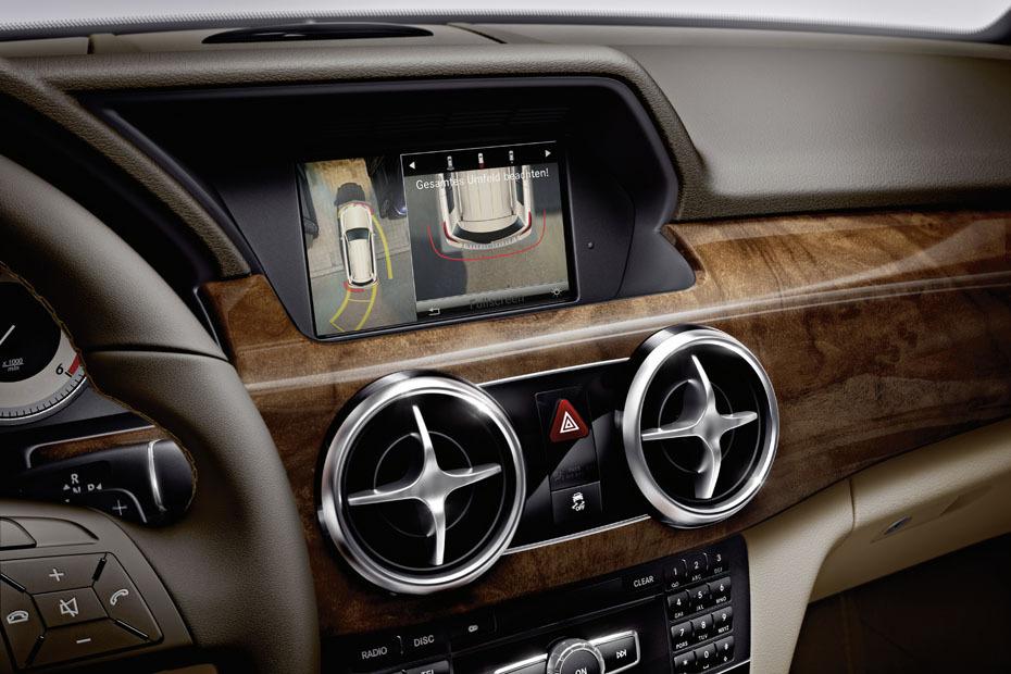 ein vierzylinder benziner im mittelklasse suv mercedes glk heise autos. Black Bedroom Furniture Sets. Home Design Ideas