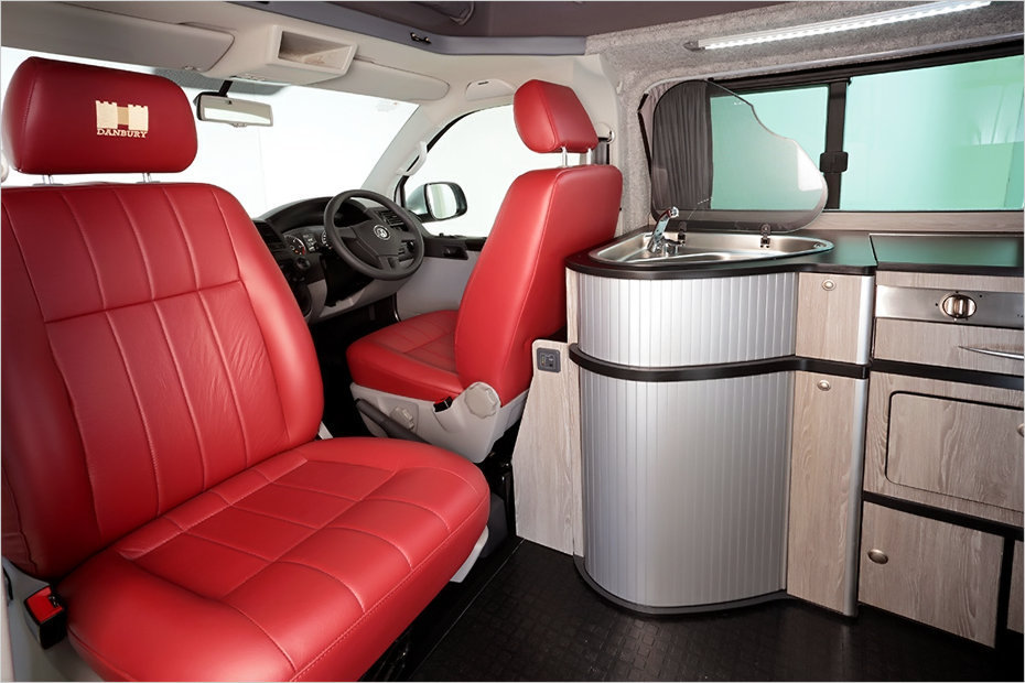 danbury doubleback ein vw t5 camper mit hinterem slide out heise autos. Black Bedroom Furniture Sets. Home Design Ideas