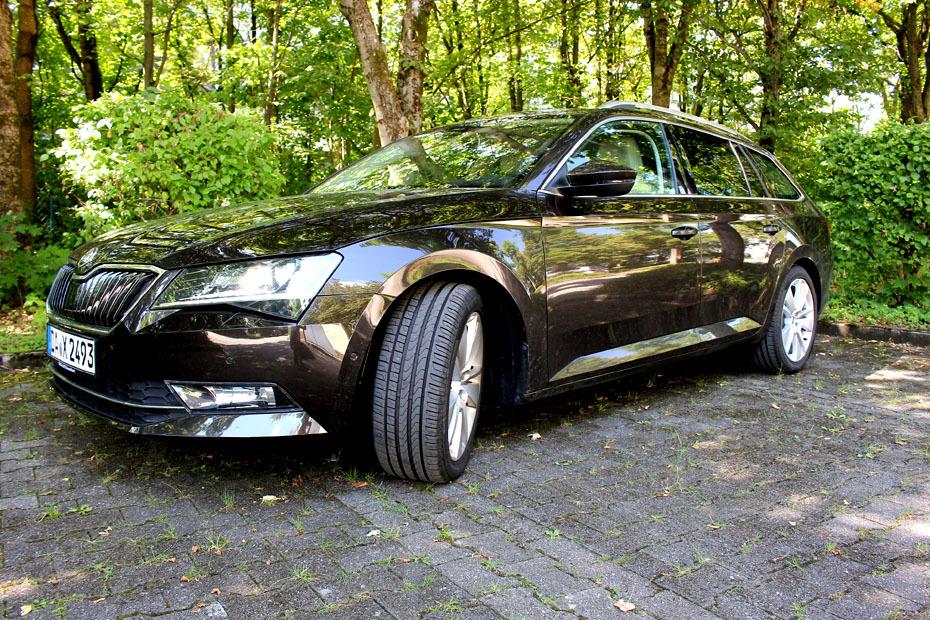 im test: skoda superb combi 1.4 tsi act   heise autos