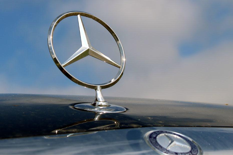 Auto - Mercedes, BMW und Audi verkaufen mehr Oberklasse-Modelle
