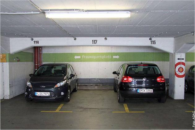 adac parkhaustest 2011 nur eine anlage sehr gut heise autos. Black Bedroom Furniture Sets. Home Design Ideas