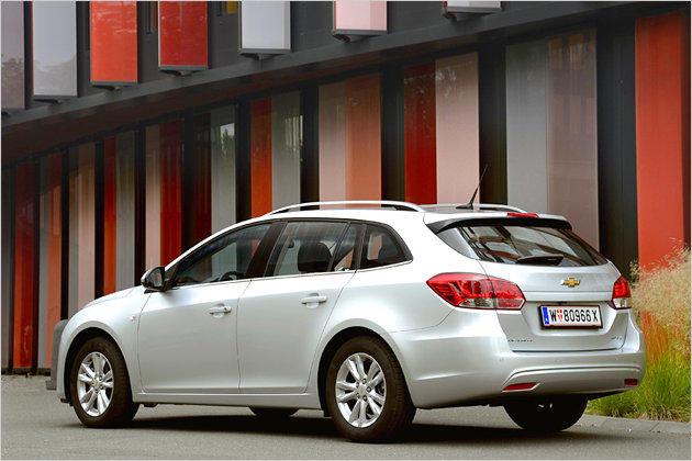 chevrolet cruze station wagon mit neuem motor von opel. Black Bedroom Furniture Sets. Home Design Ideas