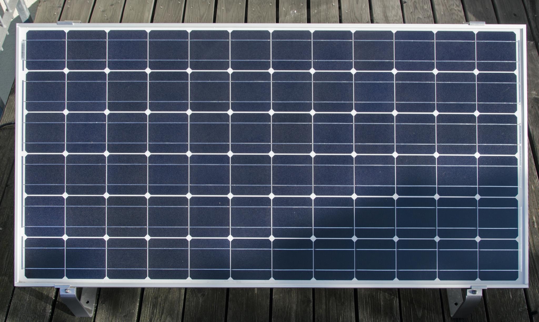 wie teuer ist eine solaranlage cheap inselanlage komponenten with wie teuer ist eine. Black Bedroom Furniture Sets. Home Design Ideas