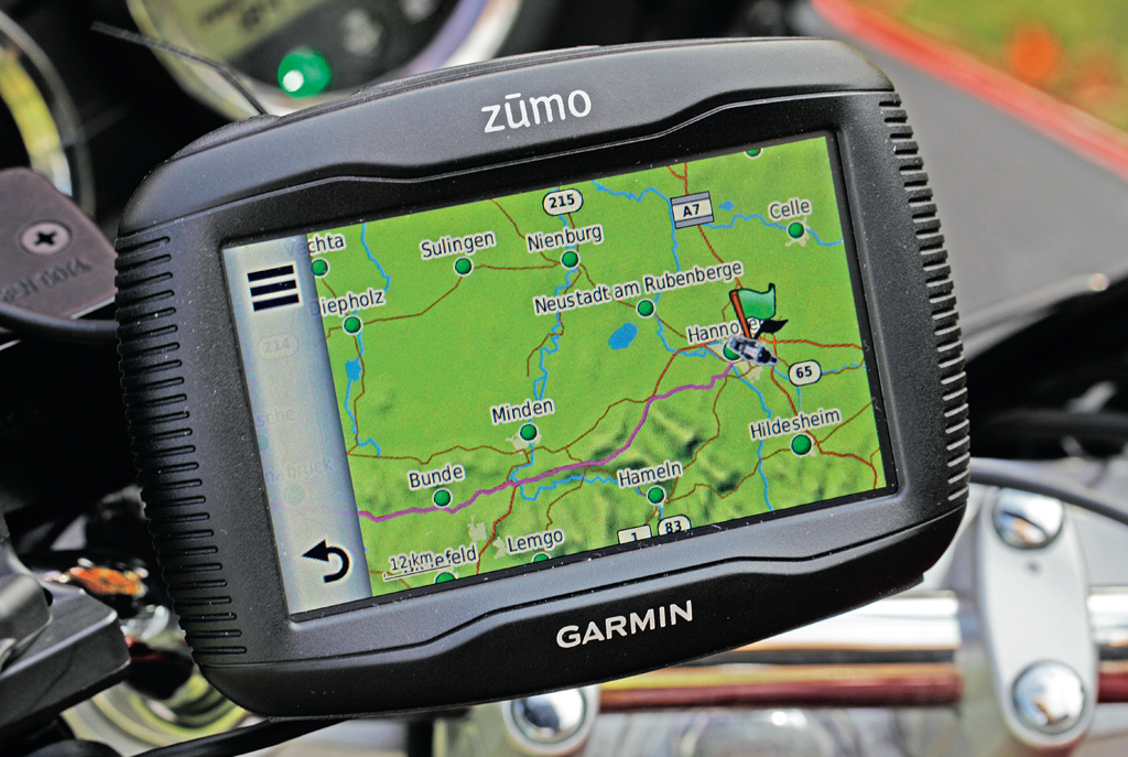 motorrad navi garmin zumo lm 390 lm c 39 t magazin. Black Bedroom Furniture Sets. Home Design Ideas