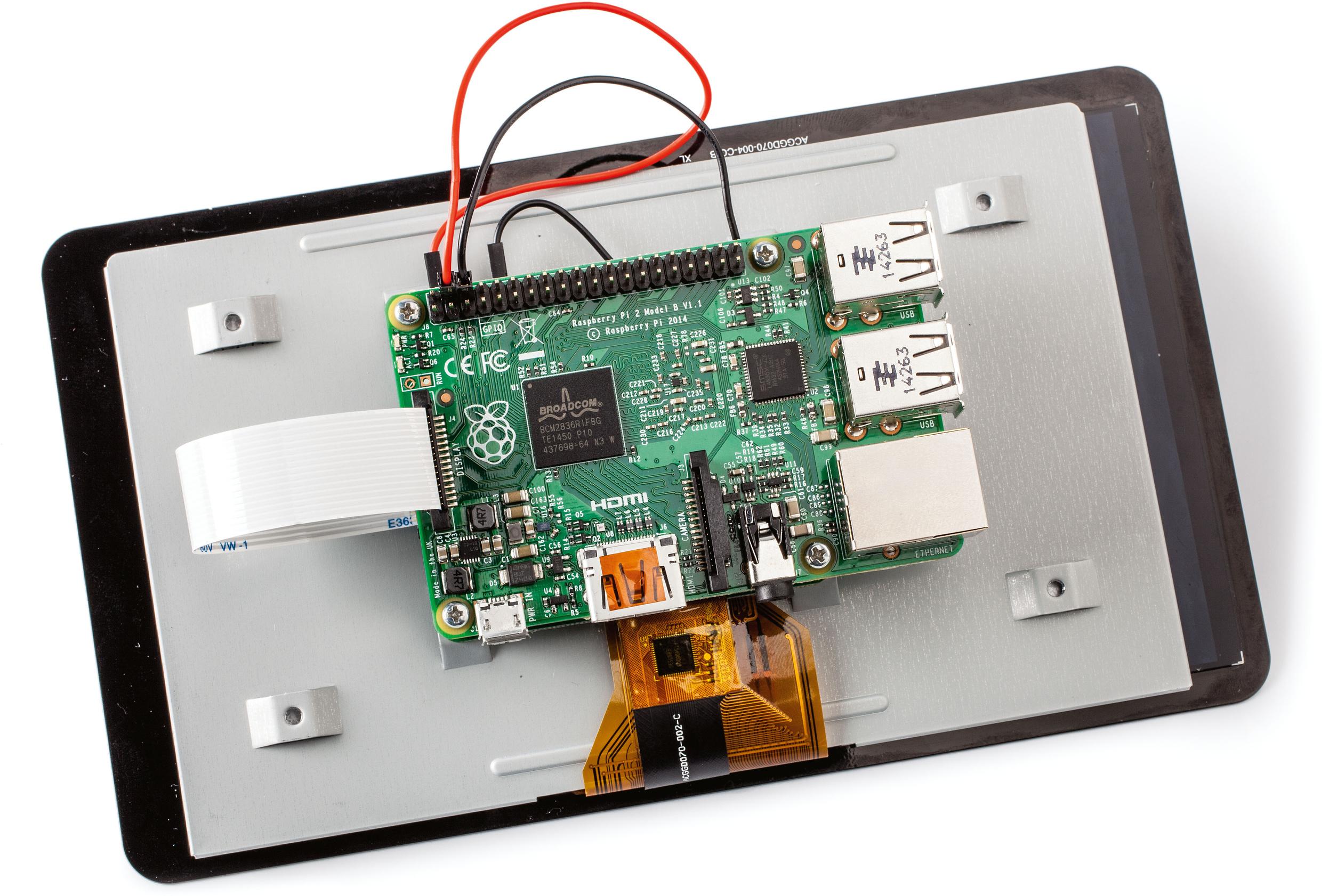 77a5c22c0b3178 Eine USV für den Raspberry Pi steckt man auf die GPIO-Pfostenleiste. Über  diese Pins kann sie den Raspi überwachen, ihn mit Notstrom versorgen und  auch ...
