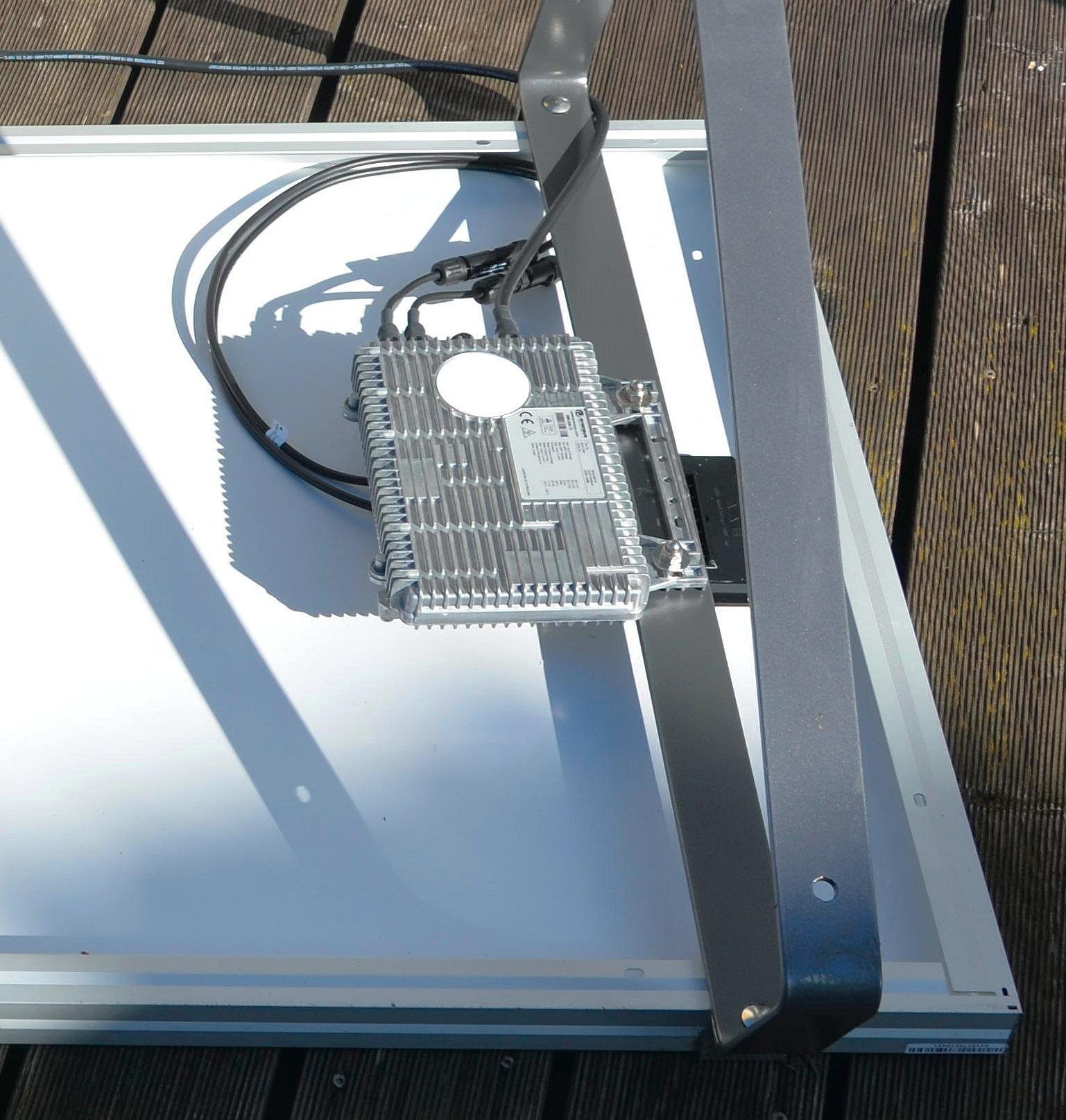 bewegung im streit um photovoltaik module mit steckdosenanschluss c 39 t magazin. Black Bedroom Furniture Sets. Home Design Ideas