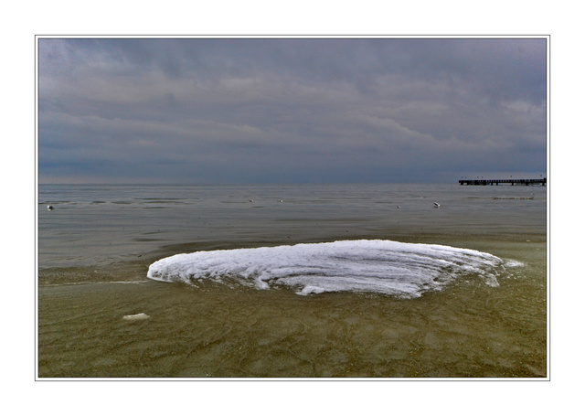 Eisinsel am Strand