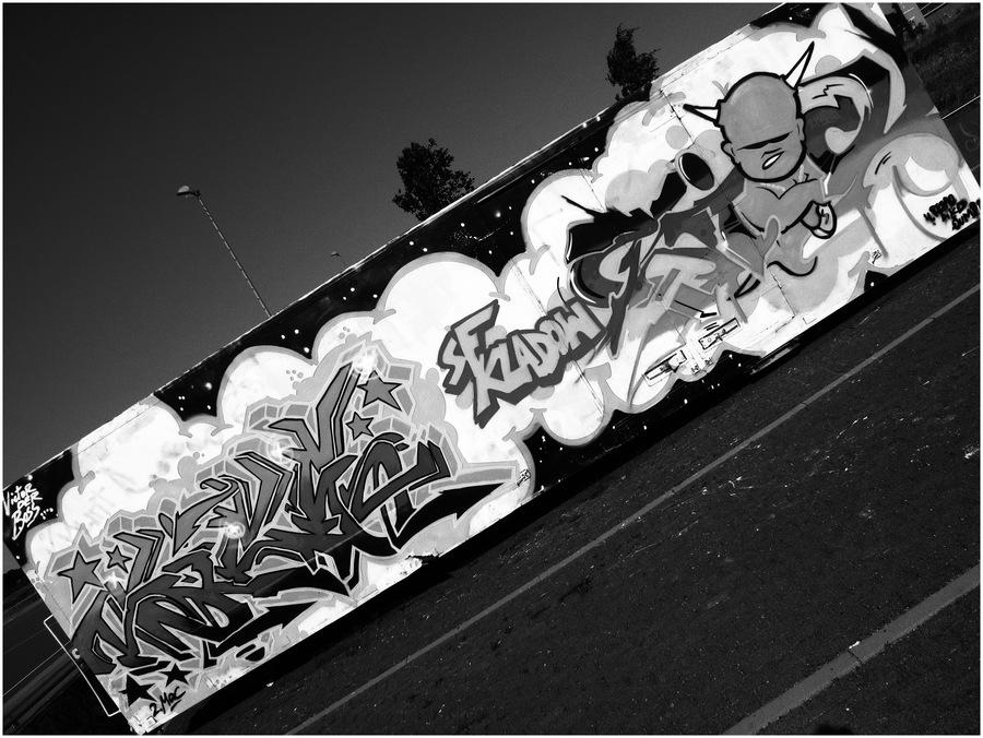graffiti 23 schwarz wei version von s nke luck galerie heise foto. Black Bedroom Furniture Sets. Home Design Ideas
