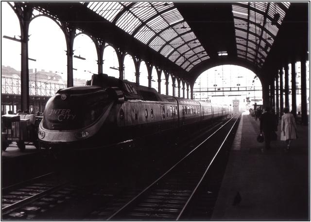 http://www.heise.de/imagine/rOeeU85IYbtpf25VNZf0CE9GWlI/content/Bahnhof-Hamburg-Altona.jpg