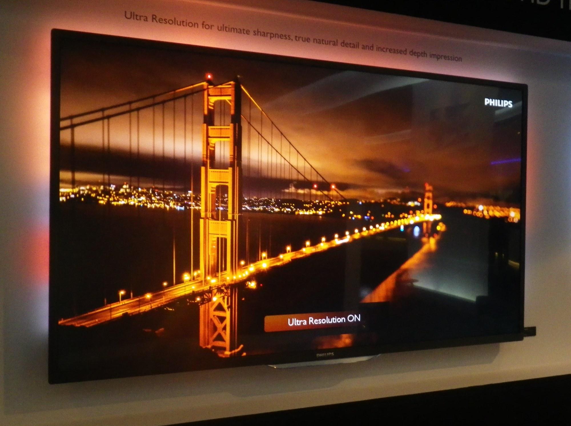 4k fernseher mit ambilight und bald auch hdmi 2 0 heise online. Black Bedroom Furniture Sets. Home Design Ideas