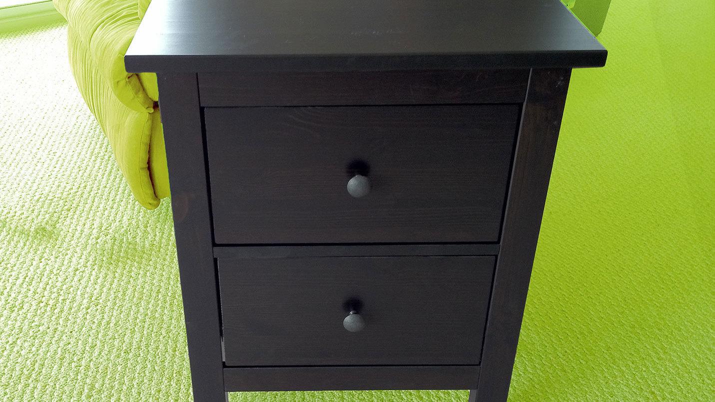 ikea m bel mit drahtlosen handy ladestationen heise online. Black Bedroom Furniture Sets. Home Design Ideas