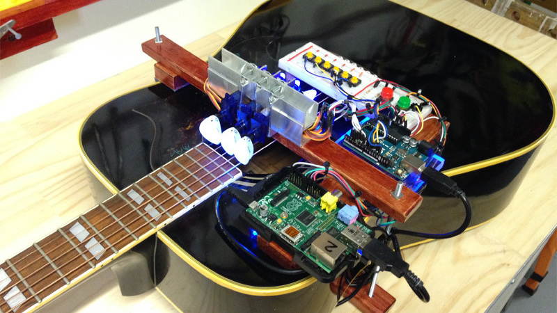 Gitarre spielen mit arduino und raspberry pi make