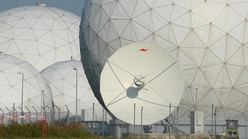 "BND/NSA-Skandal: Koalitionsstreit um ""Selektoren-Listen"" der NSA"