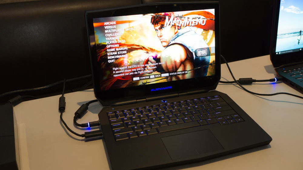 ces 2016 oled option f r das gaming notebook alienware 13 heise online. Black Bedroom Furniture Sets. Home Design Ideas