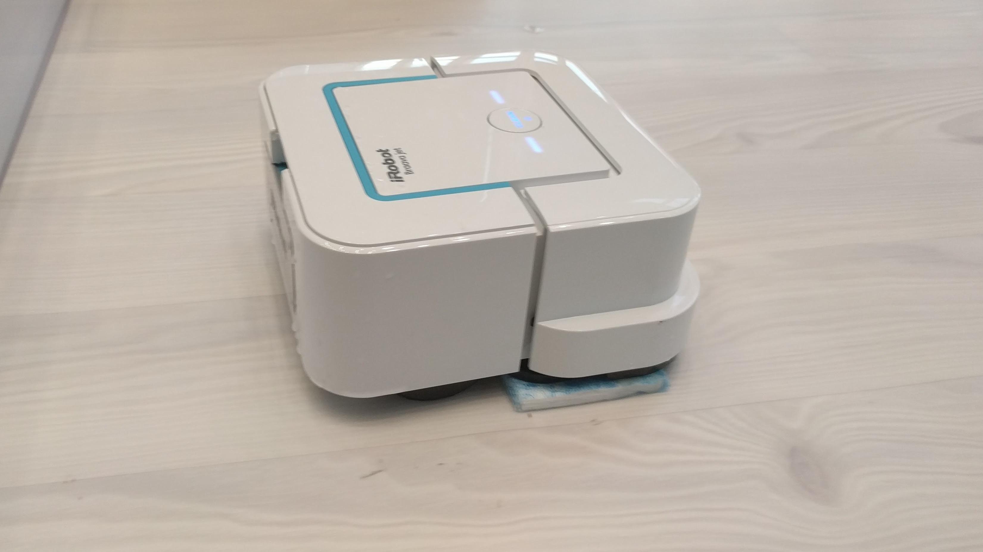 wischroboter braava von irobot kommt nach deutschland heise online. Black Bedroom Furniture Sets. Home Design Ideas