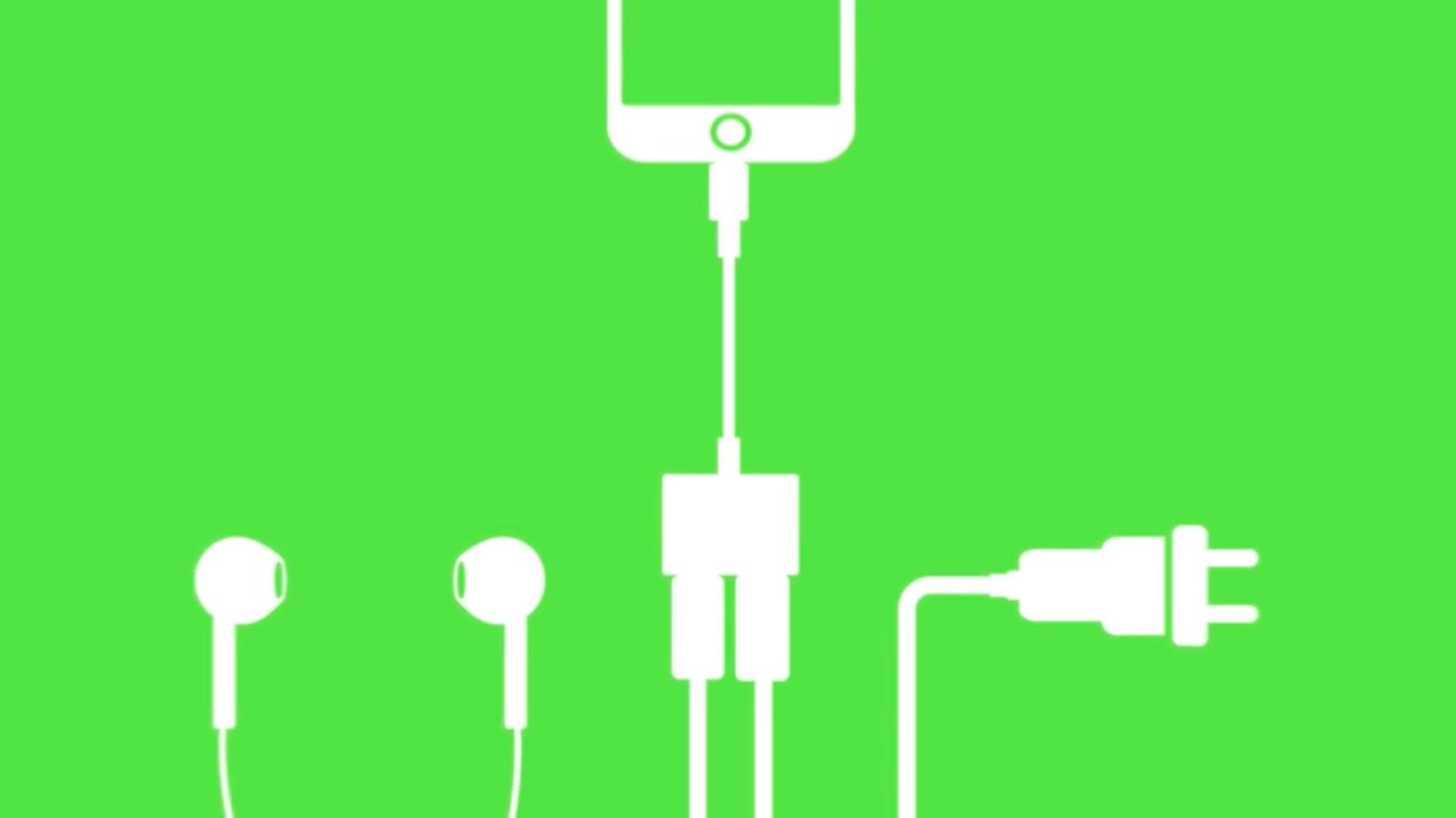 adapter f rs iphone 7 zum laden beim musikh ren mac i. Black Bedroom Furniture Sets. Home Design Ideas