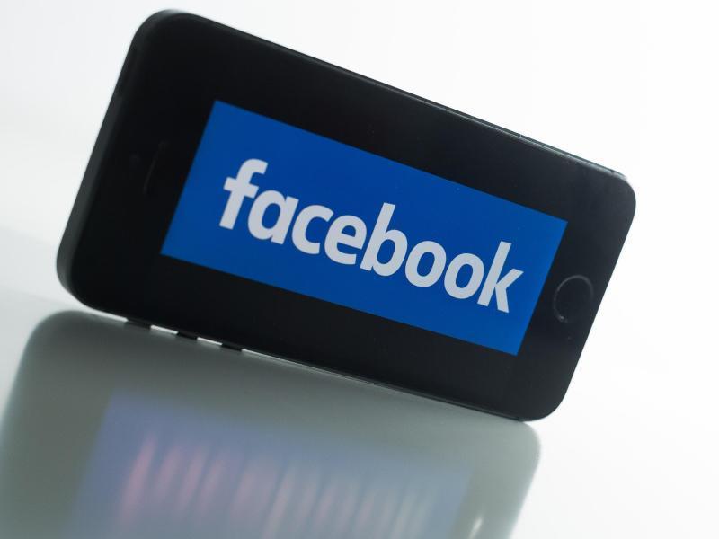 Lg Fernseher Mit Iphone Verbinden : Facebook app für ios schickt videos an den fernseher heise online