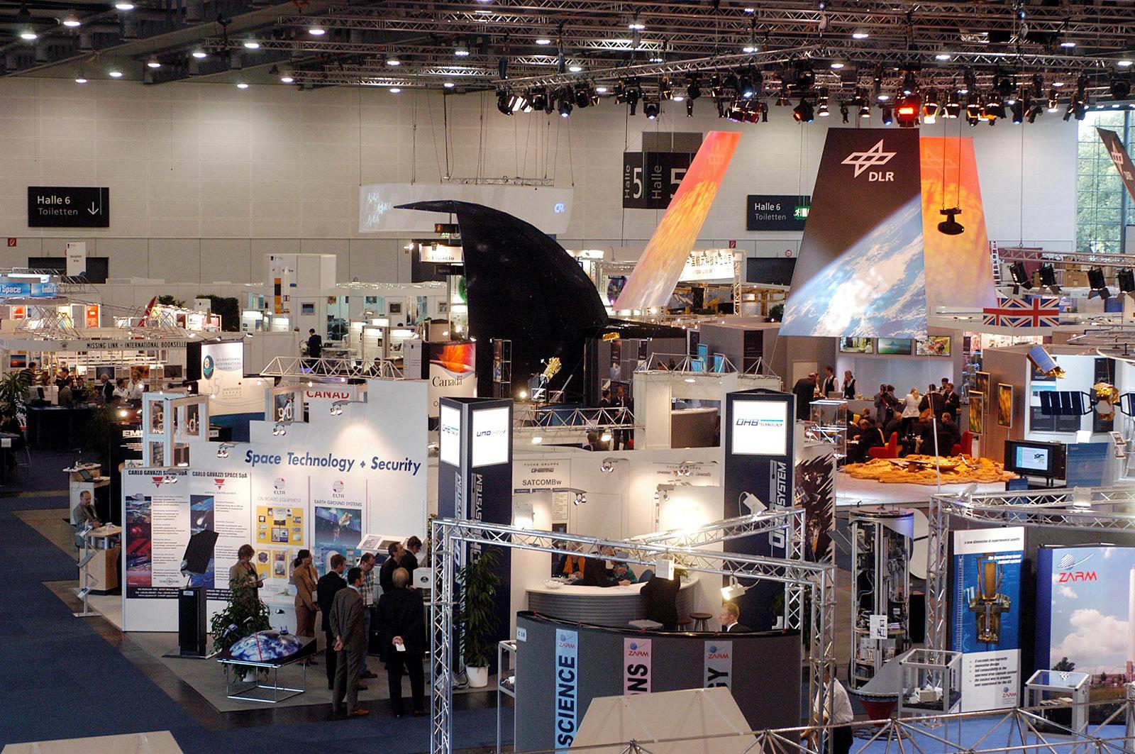 Expo Exhibition Stands Jojo : Größter raumfahrtkongress der welt in bremen heise online