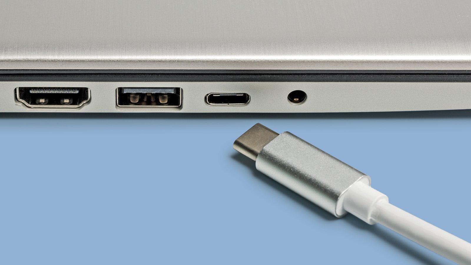 Smartphone-Ladekabel mit wendbarem Micro-USB-Stecker | heise online