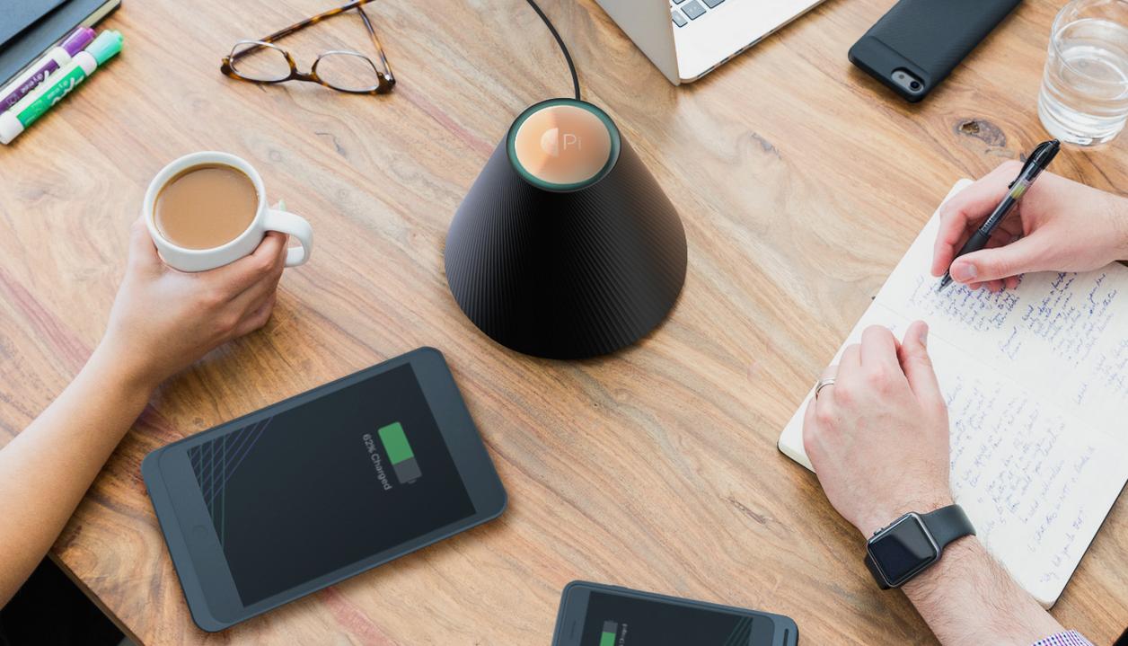 magnetfeld ladestation pi smartphones und tablets kontaktlos laden heise online. Black Bedroom Furniture Sets. Home Design Ideas