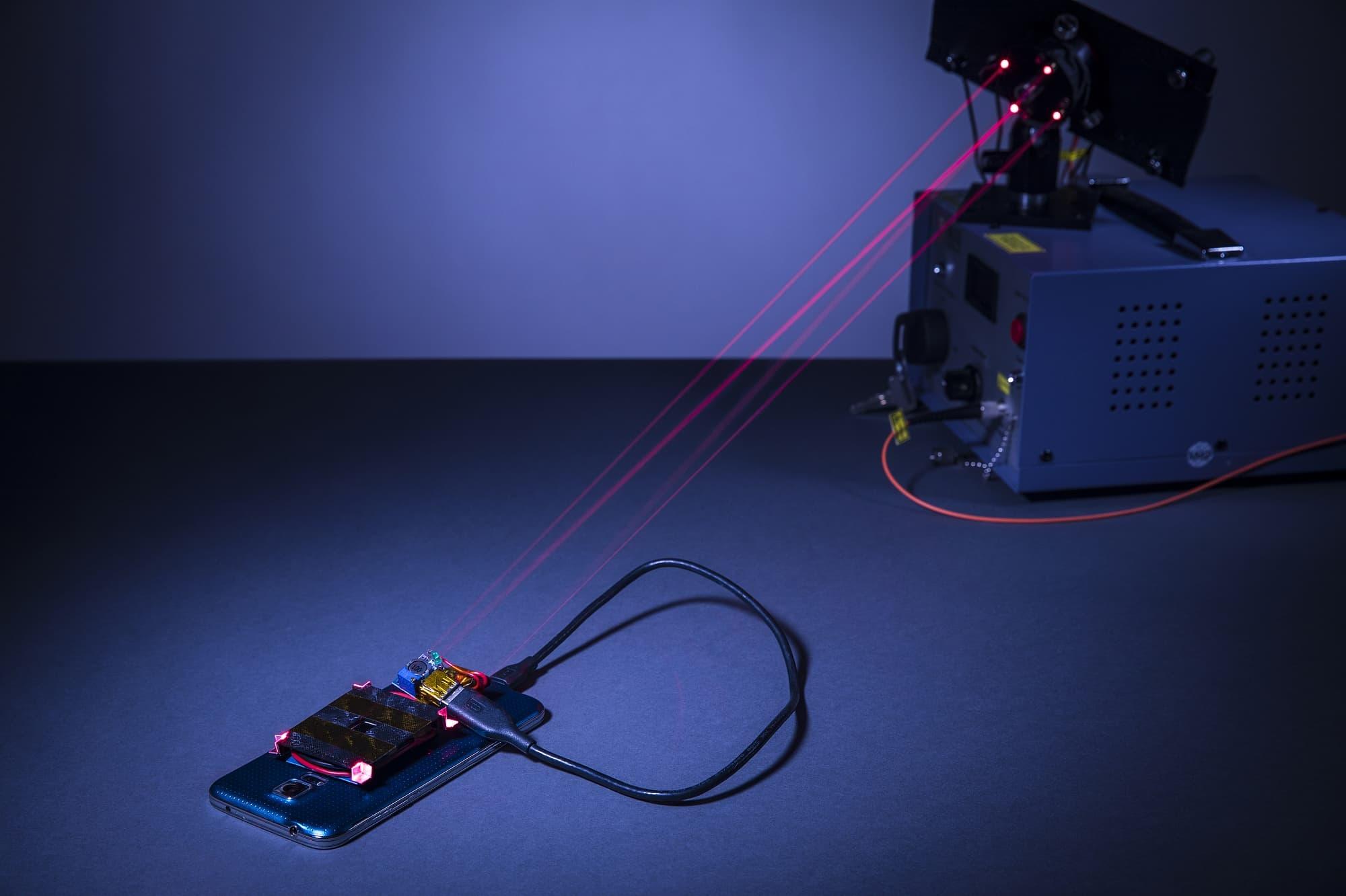 laserstrahl-l-dt-smartphone-akkus-kabellos