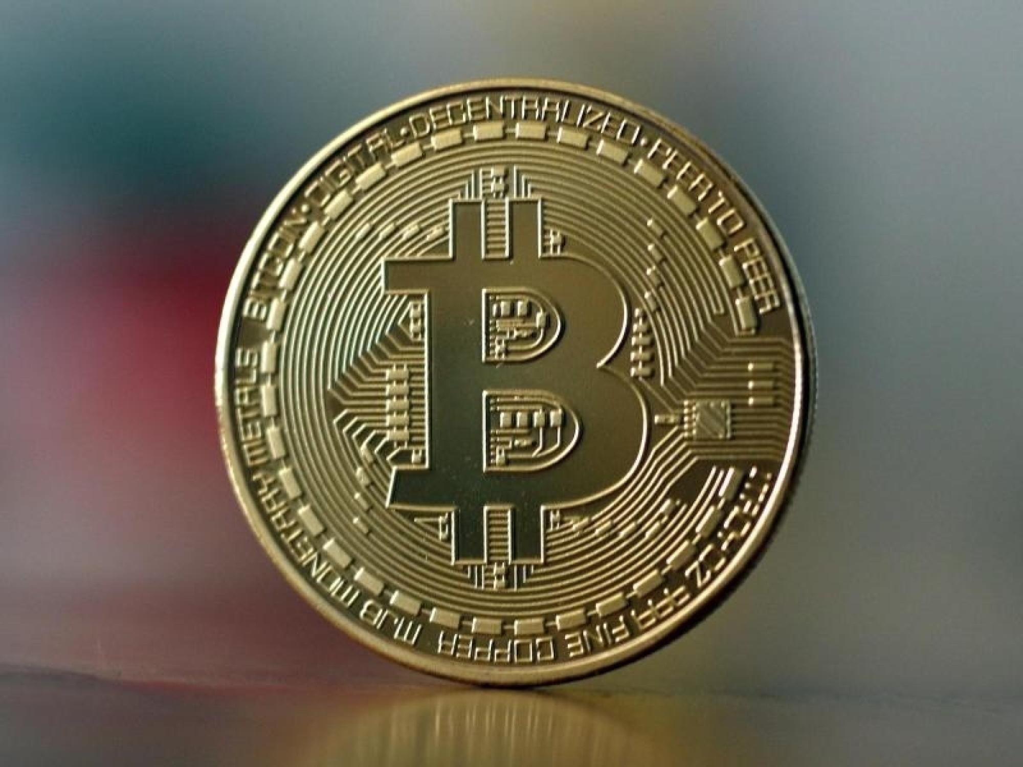 Kryptogeldhandel: Bitcoinkurs zeitweise unter 10.000 US-Dollar