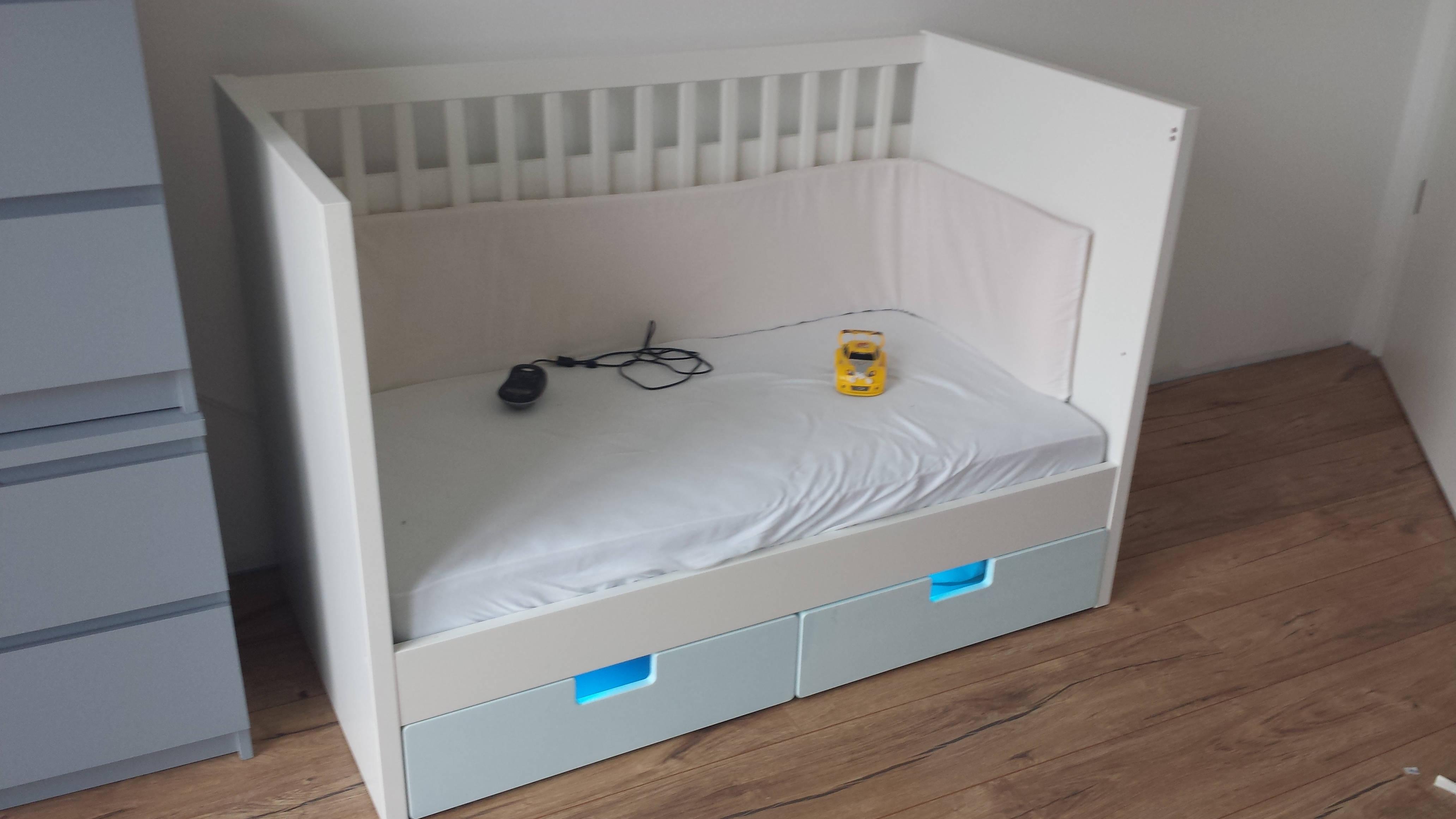 ikea babybett himmelstange f r ikea babybett stuva befestigung himmel babybett gulliver von. Black Bedroom Furniture Sets. Home Design Ideas