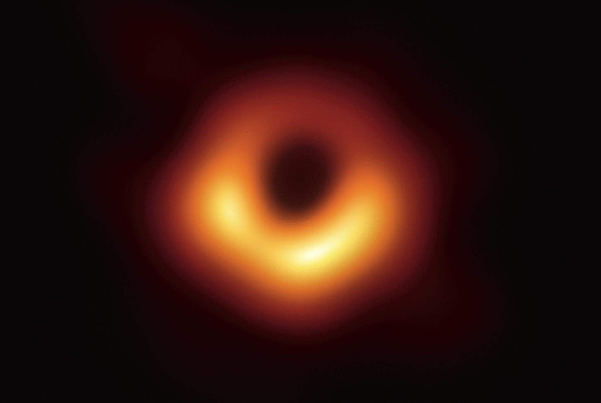 Erstes Foto Schwarzes Loch